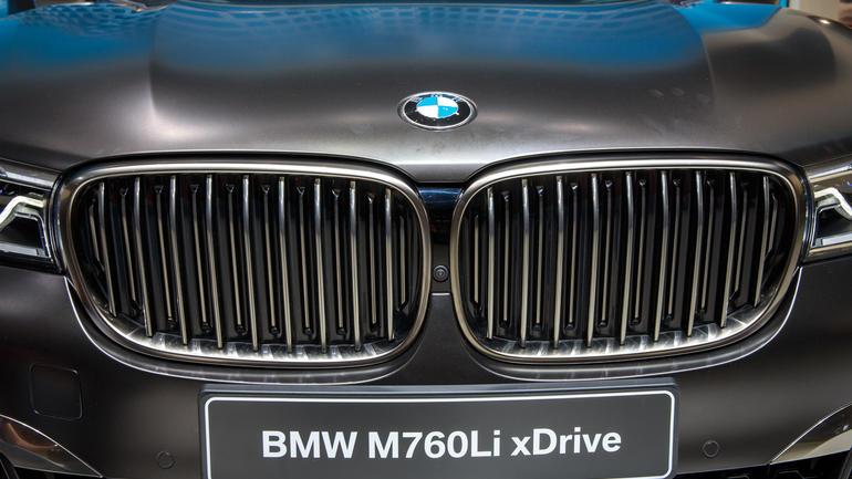 Активная решетка радиатора BMW M760 Li