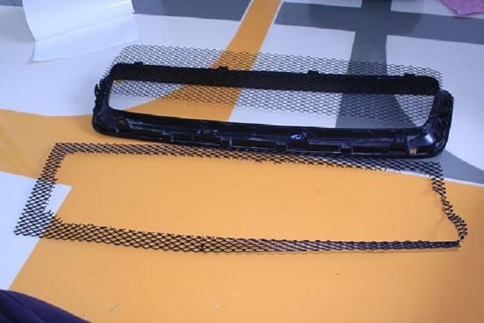 Крой сетки по размеру отверстия