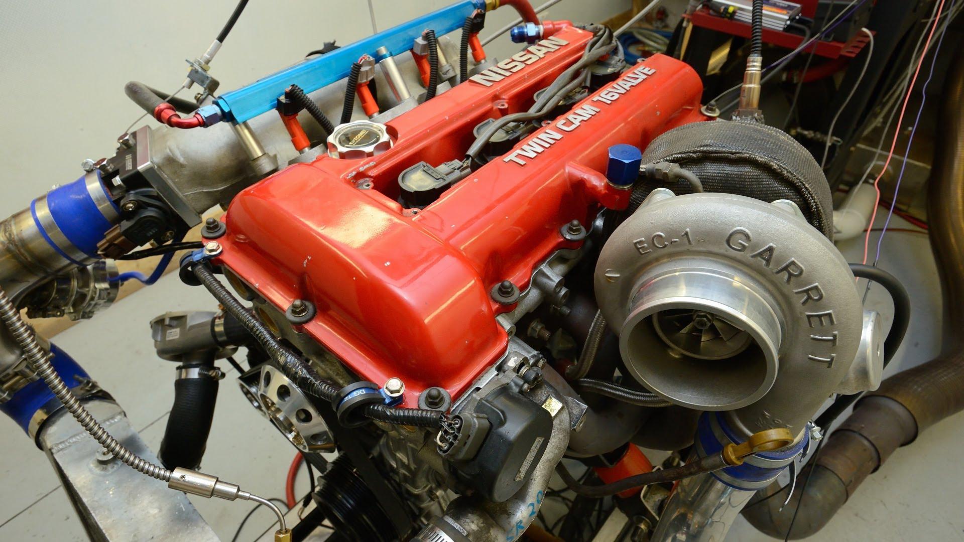 Демонтированный двигатель SR20DE