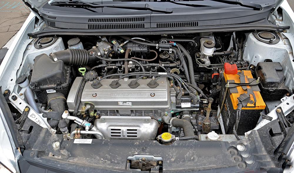 Мотор MR479QA под капотом автомобиля