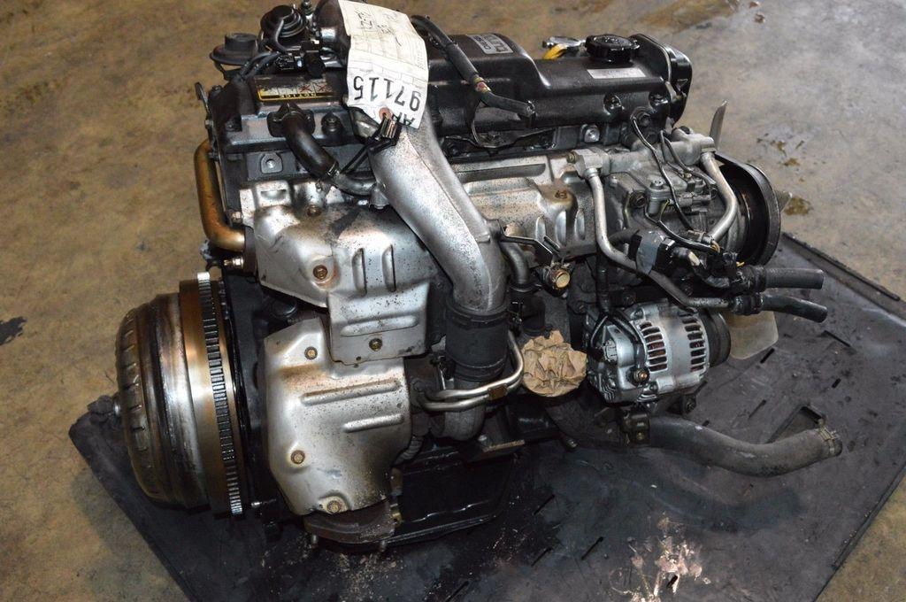 Демонтированный двигатель 1KZ