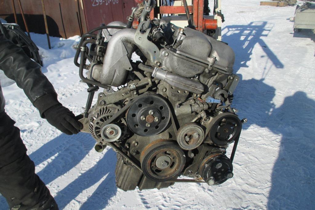 Двигатель J24B, снятый для ремонта