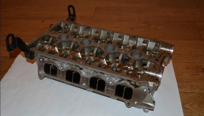ГБЦ F16D4