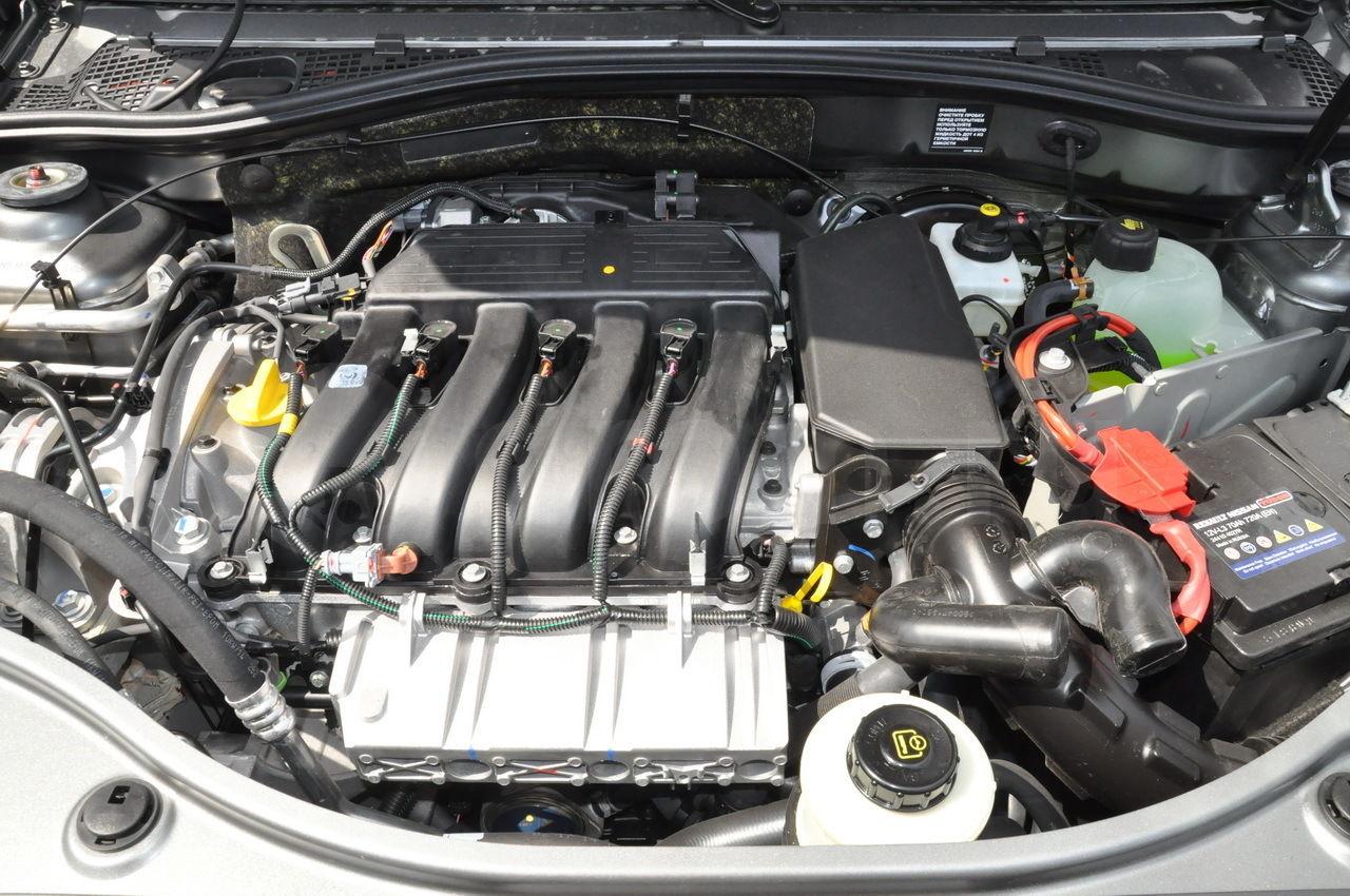 Мотор F4R под капотом