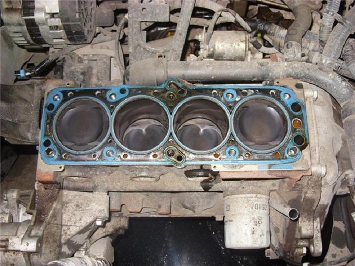 Блок цилиндров F14D3