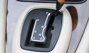 Вождение автомобиля с АКПП: основные сложности